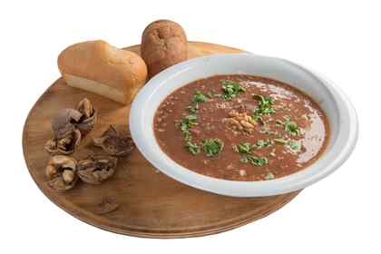Soup with red bean and nuts